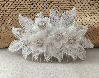 Bridal Hair Comb, Bridal Hairpiece, Lace headpiece, Floral Hair comb, Bridal Hair Accessories, Bridal hair comb