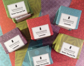 50 Soap Favors - Wedding Favors - Small 2oz soap - Handmade Soap - All Natural Cold Process Soaps - Choose 50 soaps + Personnalized Labels