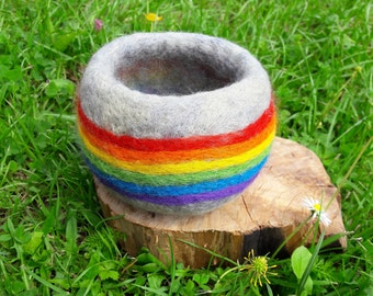 Pure wool rainbow pot