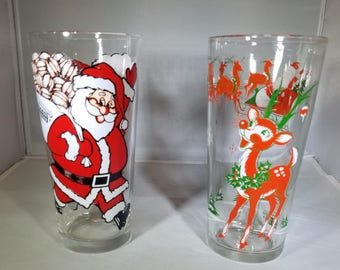 2-Vintage-Cups-In-N-Out-Burger-Christmas-Glasses-Santa-Rudolph-1980-Collectible-Kitchen decor-home decor