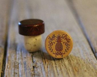 BEST PRICE ** Lot of Personalized Custom Wine Stopper Laser Engraved Cork Bottle Topper Reusable Rustic Wedding Favor --WS-L-Pineapple