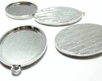 1 medium oval pendant 30 by 40mm PP quality attaches roonde