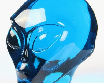 Blue Obsidian Female Alien Skull