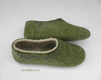 Wool felt slippers Felted women home slippers Olive green House shoes slippers Women warm bedroom slippers Made to order