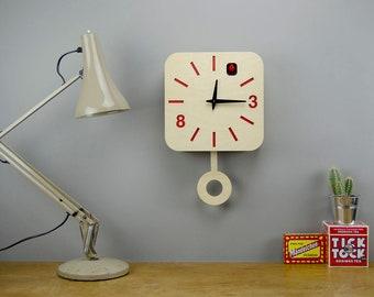 B83Box - Modern Cuckoo Clock with moving bird and pendulum