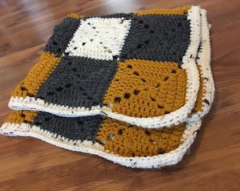 Mustard grannt square blanket