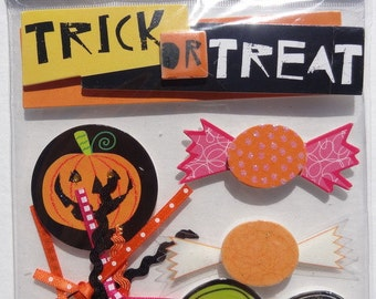 "ME & My BIG IDEAS Soft Spoken Scrapbook Stickers - Scrapbook Embellishment - ""Trick or Treat"" Halloween"