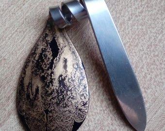 Pendant scoop lacquer finish.