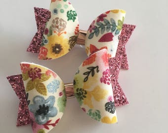 Individual vintage floral glitter bow