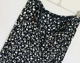 Vintage Laura Ashely White Floral Pattern // on Black Free Flowing Long Maxi Skirt // AU 10