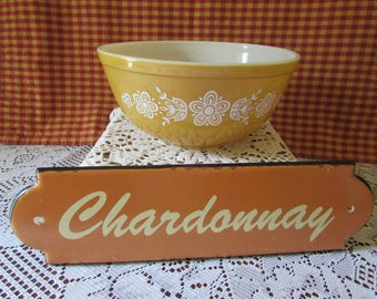 Pyrex Butterfly Gold No. 403 Mixing Bowl, VINTAGE Bowl to mix color wheat and white 2.5 pints Made In U.S.A. Serving Bowl Yellow VTG
