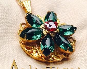 Anastasia Together In Paris Necklace - Anya Flower Charm - Swarovski Cubic Zirconia Crystals - Emerald - Handmade - Cosplay