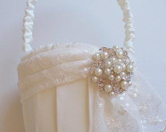 Flower Girl Basket, Ivory Basket, Wedding Basket, Lace Basket - The KARI Basket