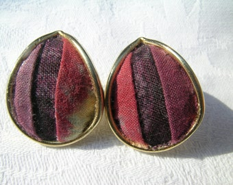Patchwork teardrop earrings: a unique pair of upcycled hand made cotton print patchwork and vintage goldtone metal earrings