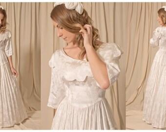 1970s Vintage Wedding Dress