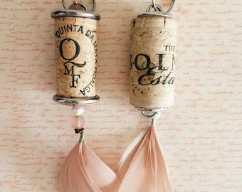 Quirky keyring made from wine cork. Unusual gift idea for her. Bag accessory. Keychain made fromwinecork with feather