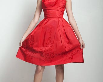 vintage 50s red party dress shelf bust floral embroidery rhinestone straps EXTRA SMALL XS