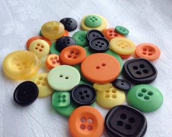 Button Assortment - Halloween - Autumn - 30g - Mix for Cards - Invitations - Bunting - Scrap-booking - Crafting - Decorations