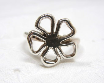 Authentic Tiffany ring / Sterling silver flower / Retired design 5 petal flower / Tiffany and Co. / genuine designer sterling silver