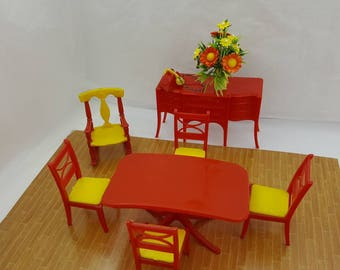 Renwal Dining room  Furnishings Table Chairs Red Sideboard   Doll House Toy  Plastic