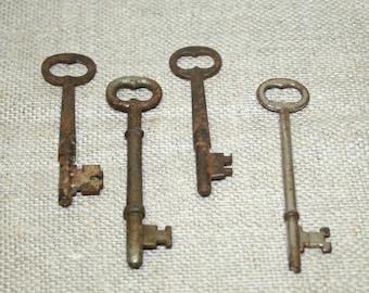 Vintage SKELETON Keys, Found Objects, Rustic Primitive