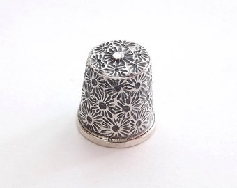 Thimble in Solid Sterling Silver, Hand Engraved