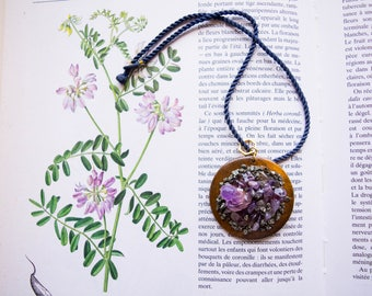 Hidden treasure - Wood and Amethyst pendant necklace