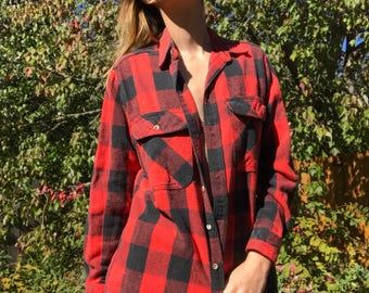 Vintage men's/womans thick plaid flannel