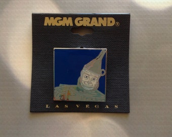 Wizard of Oz The Tin man Tinman metal pin from MGM Grand Las Vegas Mint on Card MOC Cloisonne Enamel