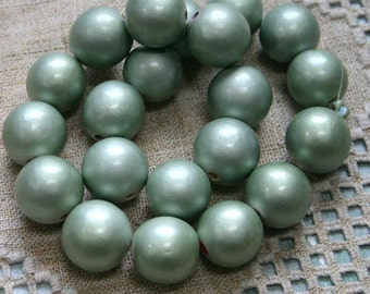 20pcs 20mm Wood Natural Metallic Light Green Round Beads 16in Strand
