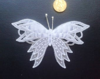 2 butterflies in 3D pergamano for scrapbooking or cardmaking