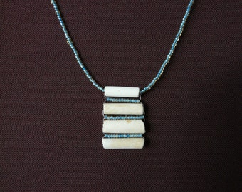 Clay Pipe Necklace – horizontal design with integrated beads (Blue glass)