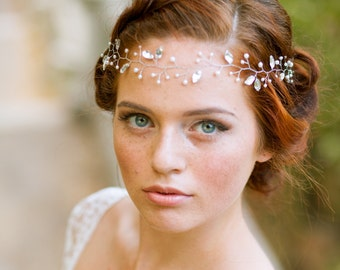 Crystal bridal hair vine Wedding hair vine with crystals and pearls Crystal bridal halo Bridal headpiece Wedding hair adornment