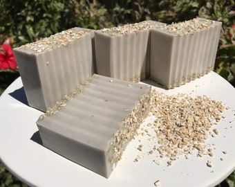 Oatmeal Honey Natural Goats Milk Soap - Handmade - Honey, Steel cut oats, Coconut oil, Goats milk