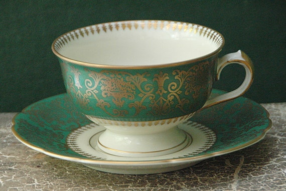 Rare Antique 12 ROYAL IVORY KPM A  D 1831 Germany Cups, 11 Saucers, C 1910 Green w/ Gold, Excellent, like new, Condition