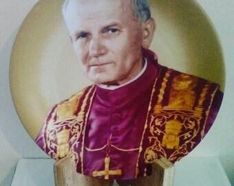 Assiette de collection en porcelaine de Limoges, plaque commemorative du Pape Jean Paul II, ancienne assiette décorative sur portant en bois