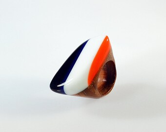 Jewel by day, ring with resin colored bands, exotic wood and resin, Italian design, elegant jewelry, handmade in Italy, artistic color jewel