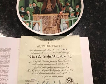 Knowles Wizard of Oz boxed plates with certificate and signed
