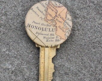 Vintage Key Pendant with Vintage Map from Honolulu