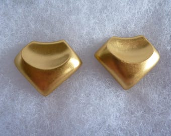 Vintage Retro Modernist Lee Wolfe Clip On Earrings Gold tone