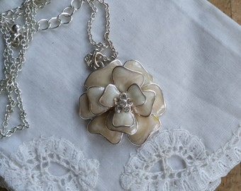 Chain silver plated metal and enamel Avon vintage Peony flower pendant