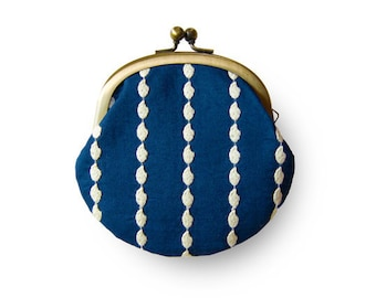 Metal frame coin purse // Rice Lace Navy