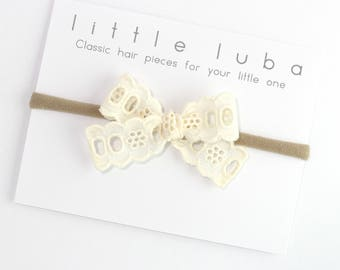 Bow headband, baby headband, newborn bow headband, baby girl headband, lace bow, baby nylon headband, newborn headband . Cream Lace Bow