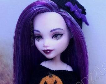 Maeve-custom Draculaura Monster High