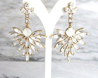 Bridal Earrings, Bridal Opal Earrings, Opal Chandelier Earrings, Bridal Statement Earrings, Bridal White Opal Crystal Swarovski Earrings