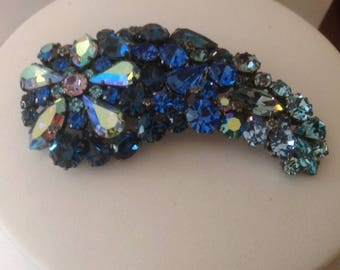 Exquisite Vintage Shades of Blue Crystal Rhinestone Brooch...Made in Austria