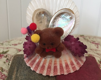 Kitsch Teddy Bear Shell Ornament, Kawanii Teddy Bear souvenir