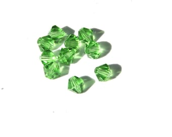 25 PCs Faceted Crystal Beads / Bicone / 6mm / green   K214-6