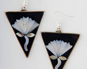 Mexican earrings art deco inlaid shell flower  mother of pearl long dangly 48mm black white fairtrade earrings Mexico(M1022)