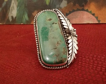 AMAZING Vintage Native American Green Turquoise and Sterling Silver Ring with Unique Leaf Design
